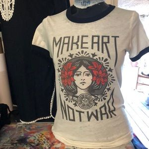 Make art not war tee